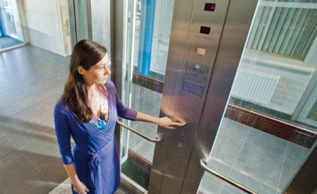 Thiết bị kiểm soát thang máy – dùng thẻ từ hiện đại